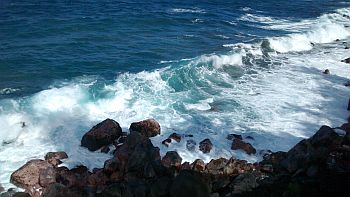 Hawaii Waves Resized